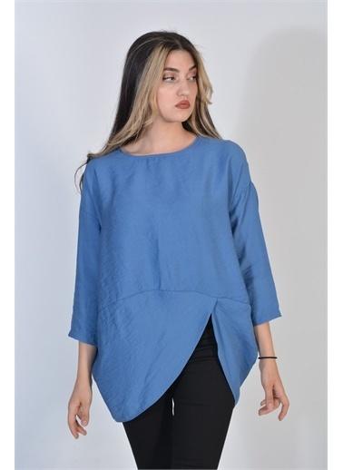 Zeren Kadın Mavi Asimetrik Kesim Oval Yaka Keten Bluz Mavi